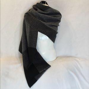 Banana Republic oversized black and white scarf